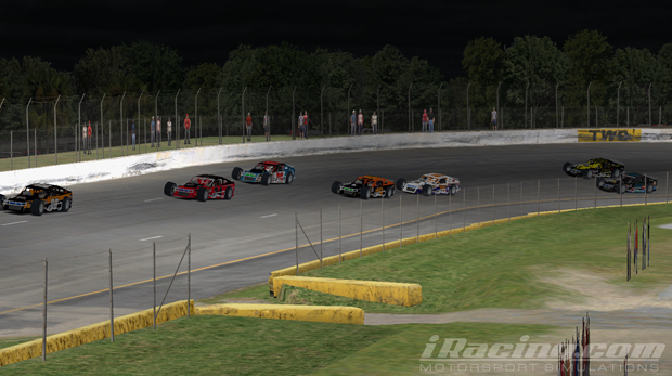 Donny Moore passes Phillip Temples on the outside in the closing laps to put an exclamation point on his championship.