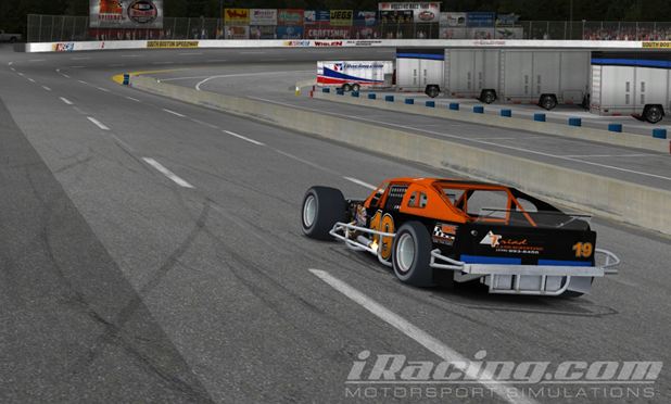 Phillip Temples takes the backwards victory lap in the #19 Triad SK Modified.