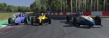Mikko Nassi, Philippe Leybaert and Paul Malokas enter the corner three wide.