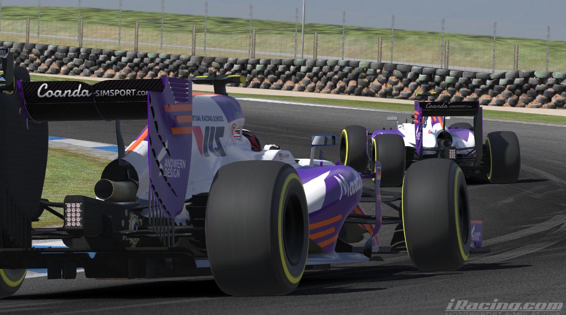 Krönke chases Coanda Simsports teammate DeJong for P4.