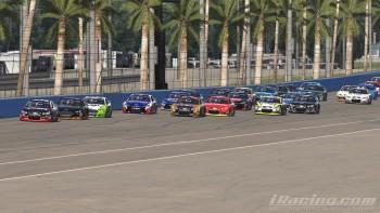 Après deux neutralisations, le reste de la course se déroulait sous drapeau vert.